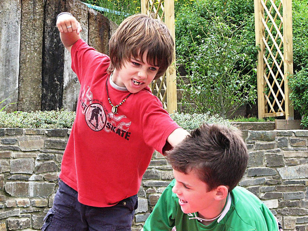 Is It Sibling Rivalry Or Bullying >> How To Stop Sibling Bullying In Your Household Betterhelp