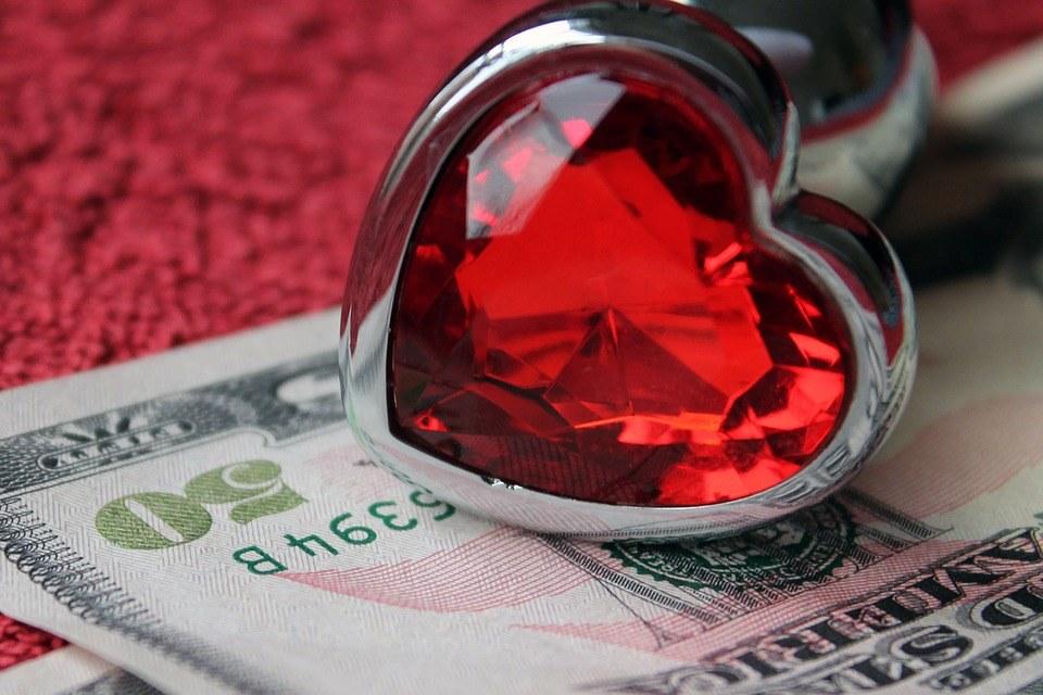 relationships-for-love-or-money-1